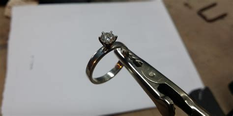 This Man Secretly Handmade A Unique Engagement Ring While