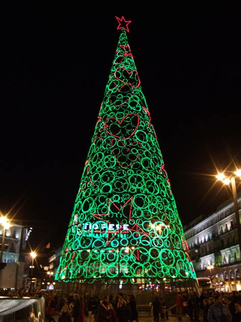 unusual christmas trees frikkin awesome