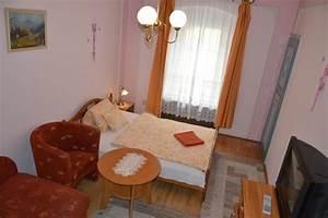 Schablone Wand Barock : barock zimmer mit pink wand duna panzi ~ Bigdaddyawards.com Haus und Dekorationen