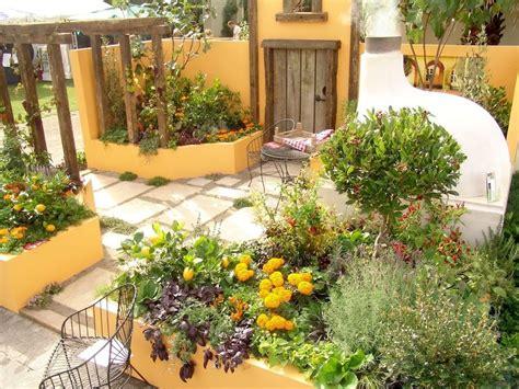 mediterranean garden design  small home