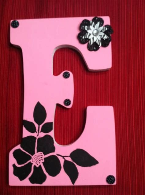 painted wooden letter  painting wooden letters