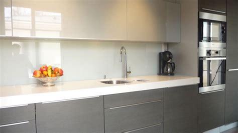credence cuisine en verre sur mesure les crédence le verre comptoir des bois