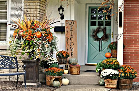 simple outdoor decorating ideas 30 fall porch decorating ideas ways to decorate your porch for fall