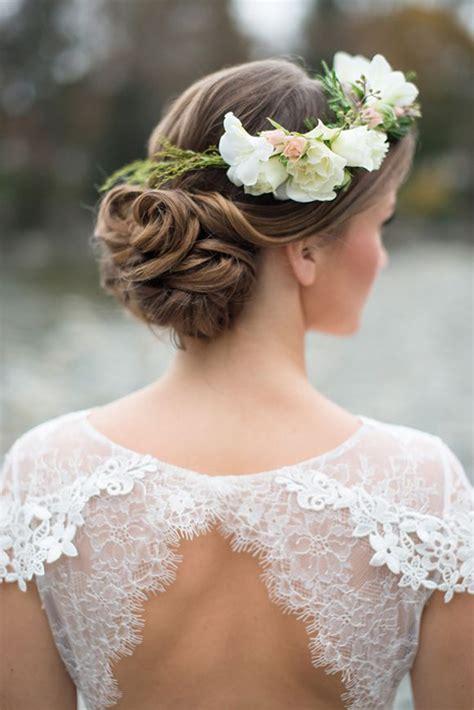 wedding hairstyles  fab ways  wear flowers