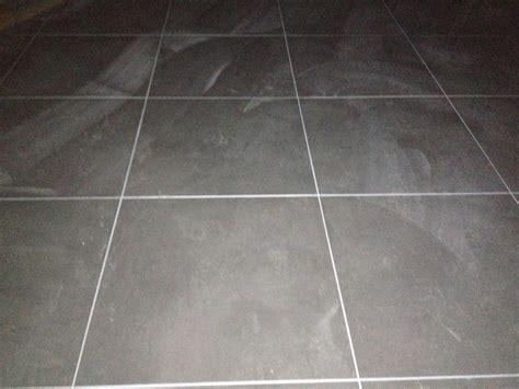 cuisine plan de travail gris joint blanc carrelage au sol gris 18 messages