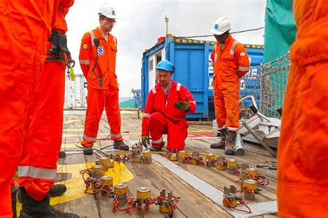 Construction, repairs & maintenance - STAPEM Offshore