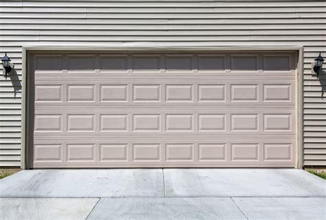 Portoni Sezionali Per Garage by Portone Sezionale Usato