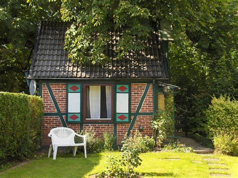 Garten In Schwerin Zu Kaufen Gesucht by Ferienhaus Hexenhaus Lauenbr 252 Ck L 252 Neburger Heide
