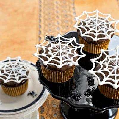 18 Easy Halloween Cupcake Ideas  Recipes & Decorating