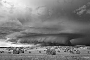 Ominous storms photographed in black and white by mitch for Ominous storms photographed in black and white by mitch dobrowner