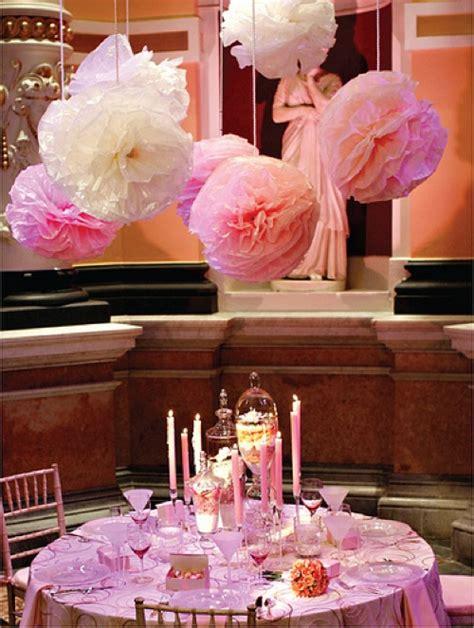 decorer une salle pour un mariage pompon pour deco de mariage