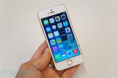 iphone 5s in hand apple iphone 5s hands on update video Iphon