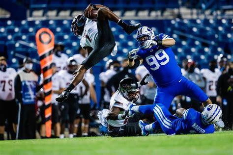 Big defensive stop early sets tone for No. 18 BYU football ...