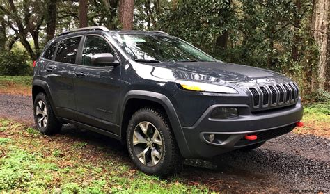 jeep cherokee green 2017 2017 jeep cherokee trailhawk hd road test review plus 2