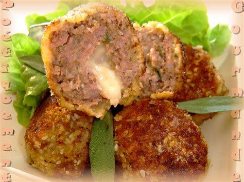 cuisiner des boulettes de viande recette boulettes de viande au coeur de mozzarella
