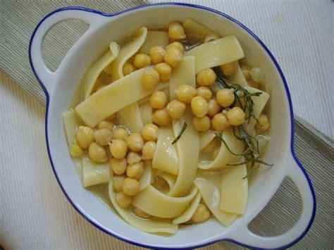 cuisine italienne pates lagane aux pois chiches recette de pâtes de la cuisine