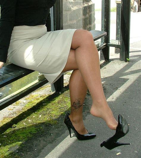 Amateur Beautiful Milf In High Heels And Sexy Crossed Legs