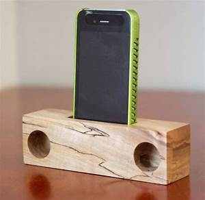 iPhones and iPads go 'Green' with wooden speakers - Green