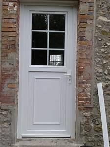 porte d39entree pvc blanc style quotfermierequot bontrihabitat With porte de garage enroulable avec porte fermière pvc