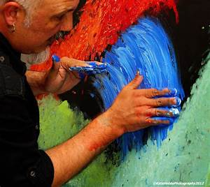 13th July 2012 – Artist at Work | Photograph: To draw in ...