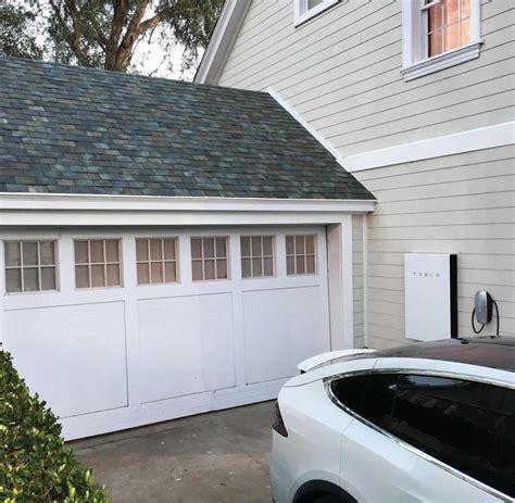 Wie Lange Halten Dachziegel by Tesla Chef Musk Stellt Solar Dachziegel Vor Welt
