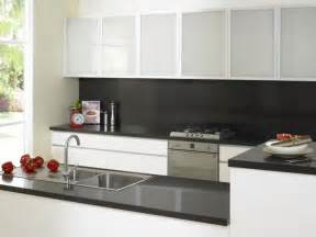 kitchen splashback ideas 25 best ideas about black splashback on modern kitchen design modern kitchen