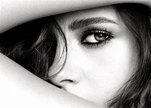 Kristen Stewart is the new face of Chanel makeup - Red Online
