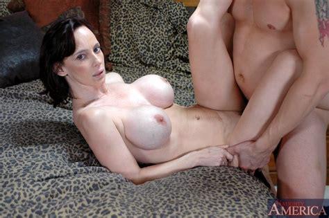 Busty Mom Erika Lockett Got Her Tight Pussy Licked And