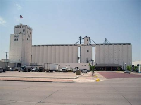 grain elevator garden city kansas