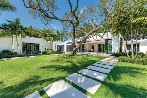 Make Your Garden Modern: Landscape Design Tips from