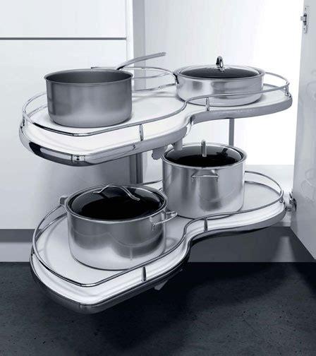 plateau pivotant cuisine cuisinesr ngementsbains optimisez vos rangementscuisines placards meubles quincaillerie