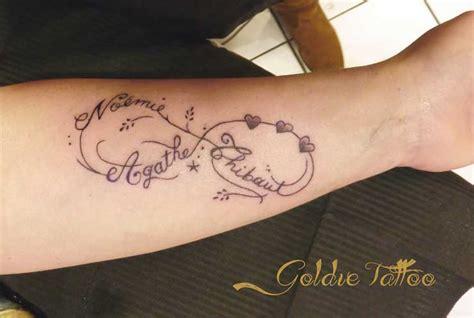 tatouage signe de  infini avec prenom cochese tattoo