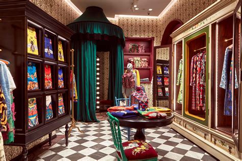 Maximalist New York Lofts That Will Take Your Breath Away by Gucci Garden Nuvo