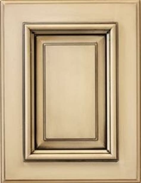 refurbishing kitchen cabinet doors 1000 images about refacing kitchen cabinets on 4686