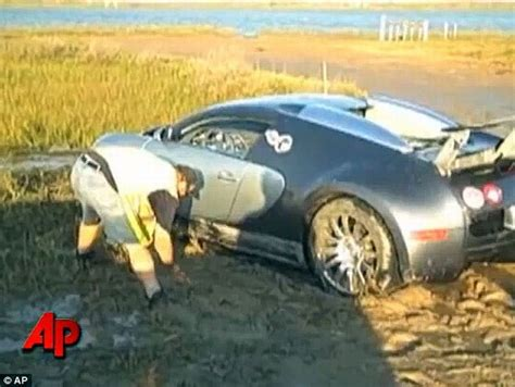 Bugatti Veyron Crash (8 Pics + Video