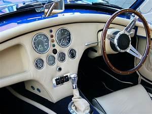 Sport Auto Classiques : images gratuites blanc roue int rieur vue v hicule volant tableau de bord compteur de ~ Medecine-chirurgie-esthetiques.com Avis de Voitures