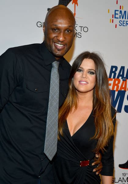 Khloé Kardashian spotted without wedding ring following ...
