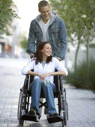personne en fauteuil roulant 202 tre en fauteuil roulant pendant 100 jours raconte cosmopolitan fr