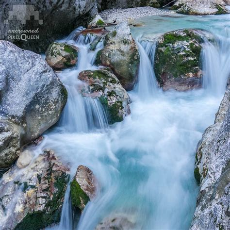 It includes gorges up to 150 meters deep, countless waterfalls, huge rocks and chunks of ice, as well as winding paths, walkways, bridges and tunnels. Garmisch Partenkirchen Höllentalklamm / Waterfall In The ...