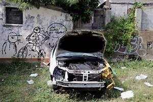 Carcasse De Voiture : carcasses de voitures des nids de moustique ciel ouvert r union actu orange r union ~ Melissatoandfro.com Idées de Décoration