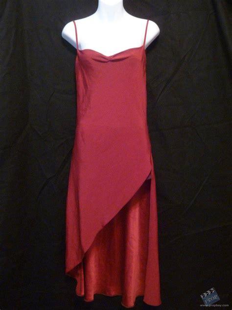 alices red dress wardrobe  resident evil extinction