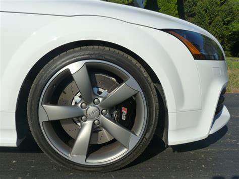 review  audi tt rs  truth  cars