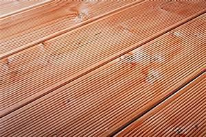Douglasie Terrassendielen Behandeln : terrassenholz holzarten f r die terrasse theo ~ Lizthompson.info Haus und Dekorationen