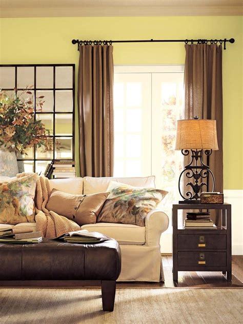 benjamin moore green living room light beige green walls