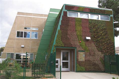 preschool s walls come alive with drought resistant 880 | Vertical garden pic 1