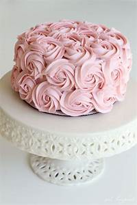 Simple and Stunning Cake Decorating Techniques - girl ...