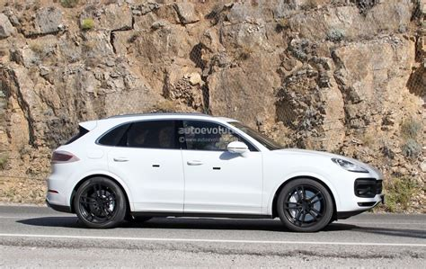 Spyshots 2018 Porsche Cayenne Nearly Revealed, Has Short
