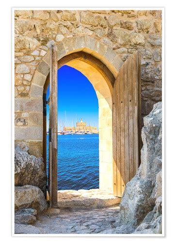 posters  tableaux de porte ouverte dans une forteresse