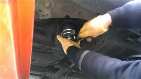 change replacement fuel diesel filter volvo