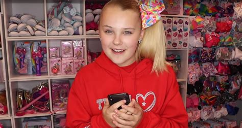 Jojo Siwa Reveals The True Meaning Behind Boomerang